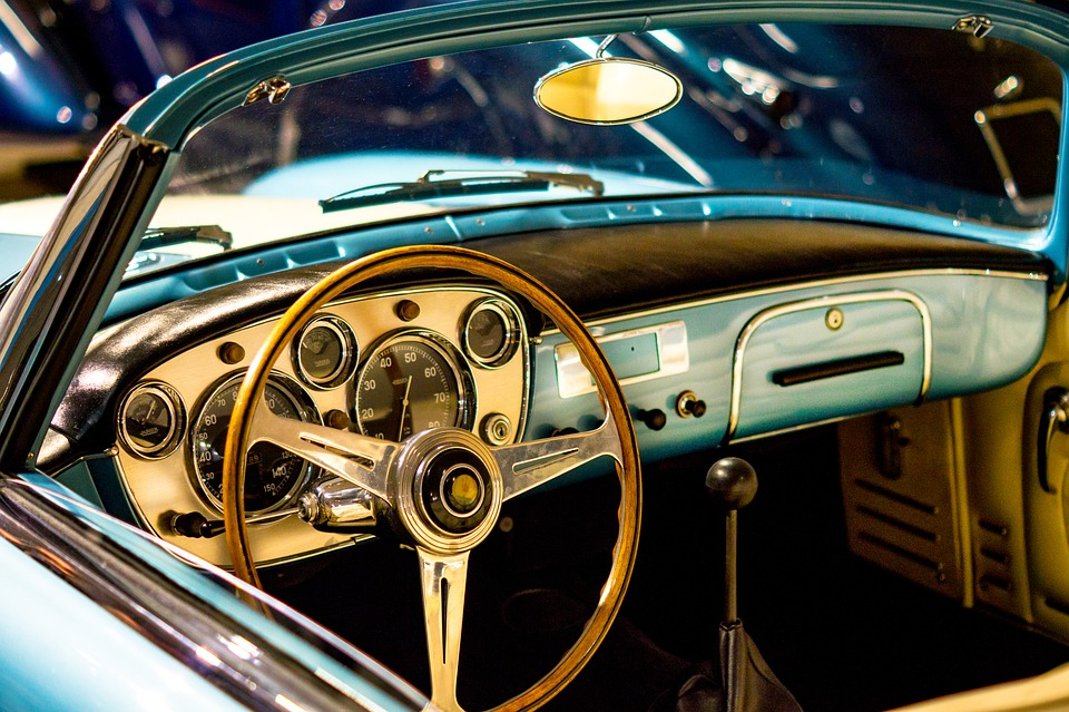 Que vérifier sur sa voiture avant de partir en vacances ?
