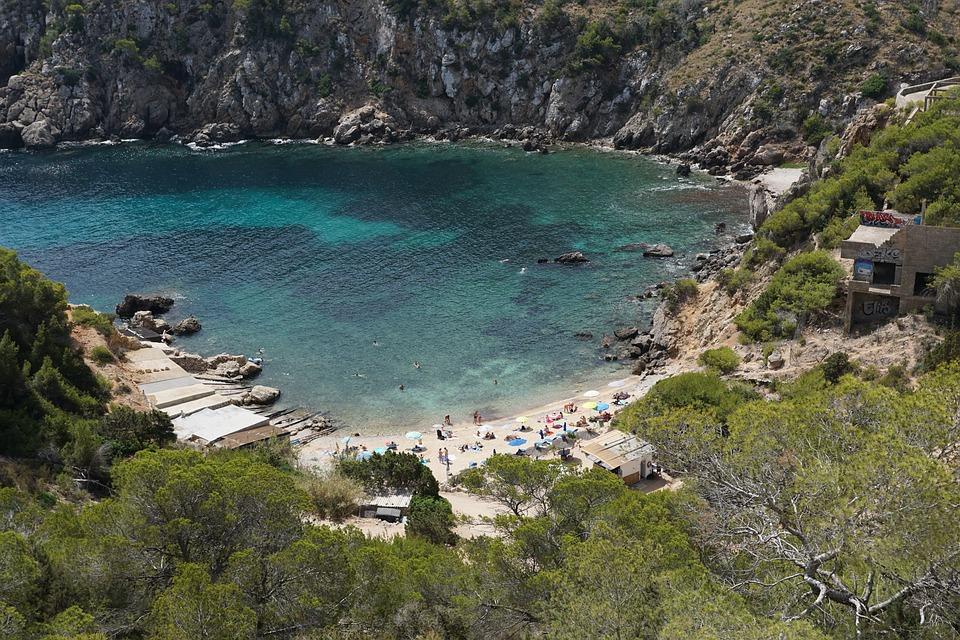Les meilleures plages nudistes dans le monde