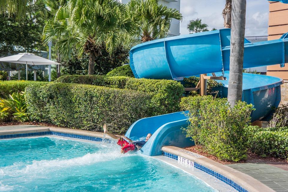 Optez pour une location de vacances dans un hébergement avec piscine dans le Tarn ?